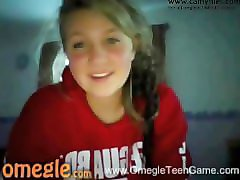 very hot omegle girl flashes