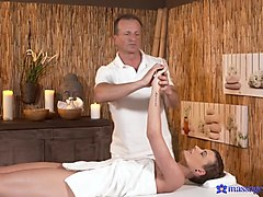 Bella & George in George On Bella - MassageRooms
