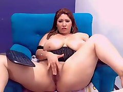 dark red haired bbw was lazily posing for me on webcam that day
